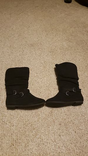 Youth Girl fashion winter boots for Sale in Butler, PA