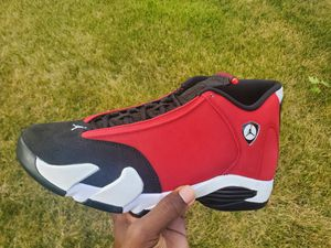 Jordan 14 toro size 10 for Sale in Farmington Hills, MI