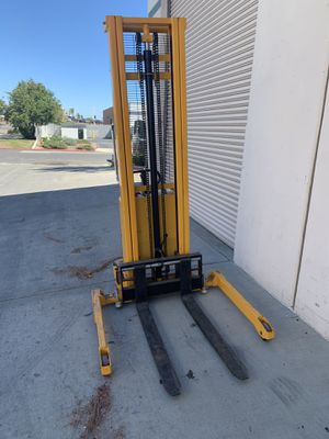 Electric forklift like new ULINE 10 feet for Sale in Temecula, CA