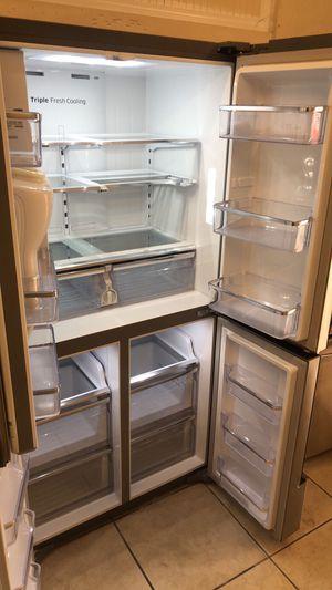 Refrigerator Samsung slim 4 doors for Sale in Los Angeles, CA