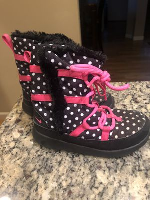 Nike winter boots, hiking, shoes, warm, Girls 10c for Sale in Central Houghton, WA