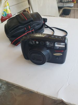 Samsung Maxima 38/205mm zoom lens.& bag for Sale in Chelmsford, MA