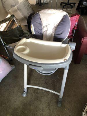Graco high chair for Sale in Sacramento, CA
