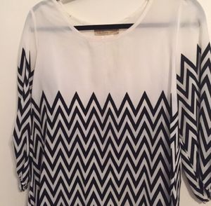Chevron light weight blouse for Sale in Nashville, TN