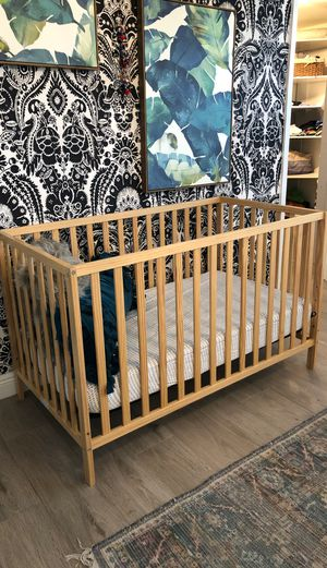 Baby Crib with mattress for Sale in Wilton Manors, FL