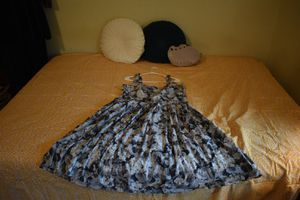 Gorgeous Talbot's size 16 grey floral sweetheart neckline flounce dress for Sale in Baltimore, MD