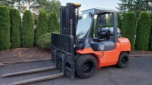 2010Toyota forklift with original 1320 hours. for Sale in Vancouver, WA