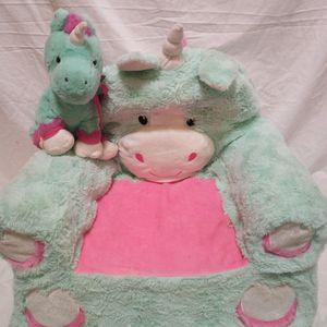 Girls Unicorn Chair W/ Matching Unicorn Doll for Sale in Duluth, GA