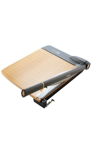 Paper trimmer. Trim up to 30 pages for Sale in Pico Rivera, CA