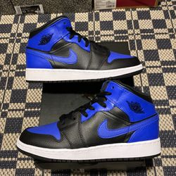 Air jordan 1 Mid GS Royal Size 5,5.5,6 100% Authentic 100% Brand New for Sale in Philadelphia,  PA