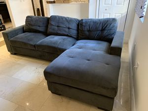sofa with chaise for Sale in Aventura, FL