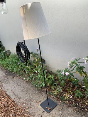 Floor lamp for Sale in Palo Alto, CA