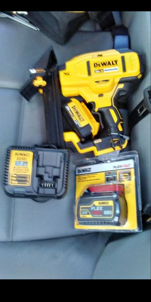 Dewalt nail gun set for Sale in Baton Rouge, LA
