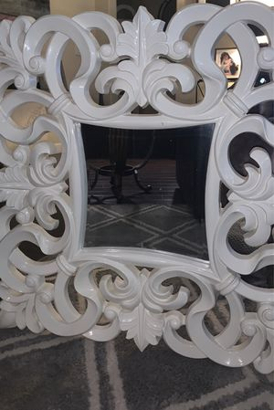 White Wall Mirror for Sale in Brentwood, CA