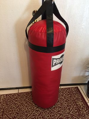 PUNCHING BAG BRAND NEW 70 POUNDS for Sale in Fontana, CA
