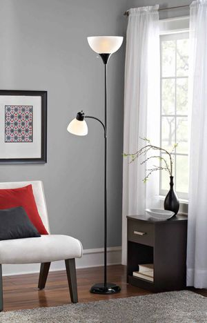 Mainstays Combo Floor Lamp with Bulb for Sale in Yucaipa, CA