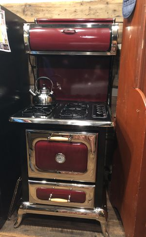 Heartland antique looking stove / range (made by Aga) for Sale in Blue River, CO