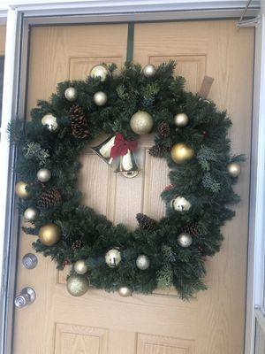 """30"""" Christmas wreath front door or wall for Sale in Pueblo, CO"""