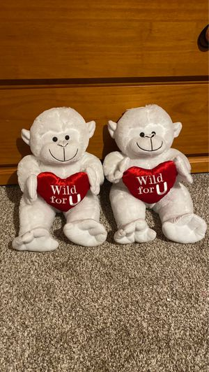 2 piece monkey stuffed animal set for Sale in Norco, CA