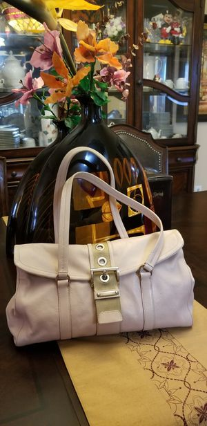 AUTHENTIC PRADA ROSE PINK LEATHER SHOULDER BAG, GREAT CONDITION, MEASUREMENT 13W x 9H x 4L . Original price $850. for Sale in Fort Wright, KY
