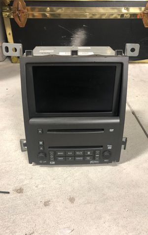 Cadillac Navi screen navigation DVD and 6 disc cd for Sale in Belleville, MI