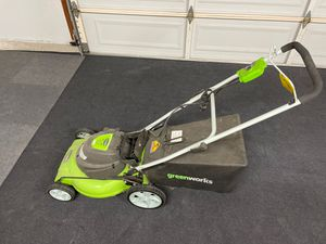 "Greenworks 20"" 12A electric lawn mower 3-in-1 cutting for Sale in Yorba Linda, CA"
