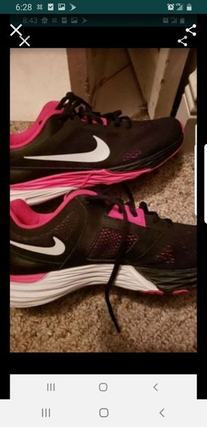 New women's nike 9.5 pink black for Sale in Orlando, FL
