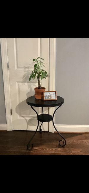 Black metal plant stand, patio table, o rend table for Sale in Washington, DC