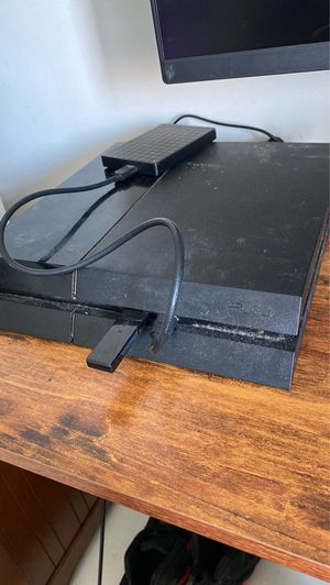Ps4 with external hard drive for Sale in Miami, FL