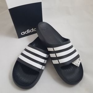 New In Box Adidas Duramo Black Slides Sandals Men's Size 10 for Sale in Los Angeles, CA