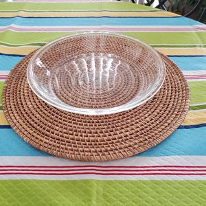Pyrex glass pie dish in excellent condition like new mat not included serious buyers only firm offers only for Sale in Chula Vista, CA