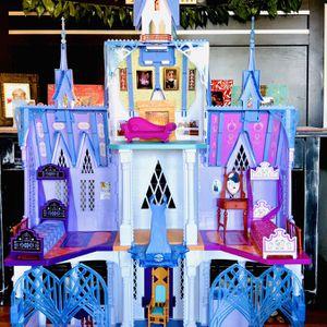 Disney Frozen 2 Ultimate Arendelle Castle Playset for Sale in Claremont, CA