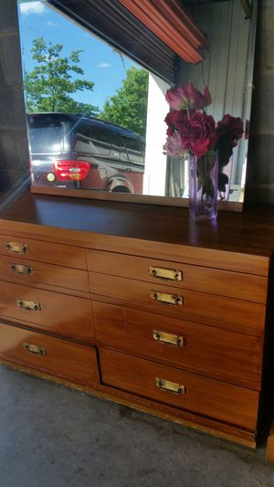 DRESSER WITH MIRROR for Sale in Fairfax, VA