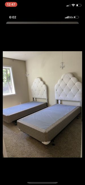 Twin bed x2 with mattresses for Sale in Vancouver, WA