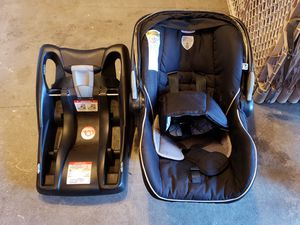 Britax B-Safe Infant Car Seat w/ Base for Sale in Seattle, WA