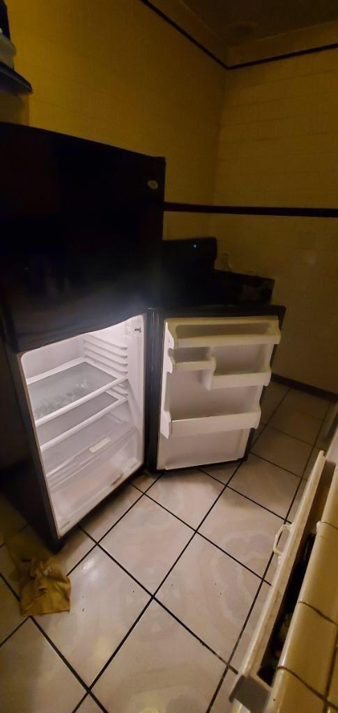 Black whirlpool fridge