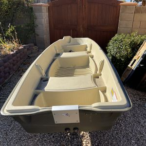 12ft Fishing Jon boat for Sale in Los Angeles, CA