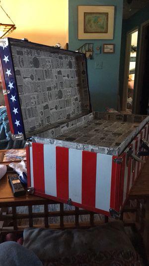 Foot locker - storage trunk, mid 1970's w/key for Sale in Parker, CO