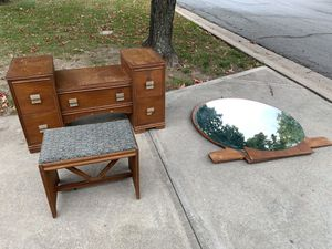 Antique Dresser for Sale in Lee's Summit, MO