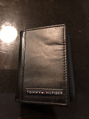 Tommy Hilfiger wallet NEW for Sale in PECK SLIP, NY