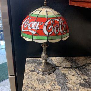 Coca Cola Stained Glass Table Lamp for Sale in Lockport, IL