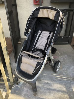 Stroller and car seat Chicco Bravo Travel System for Sale in St. Petersburg, FL