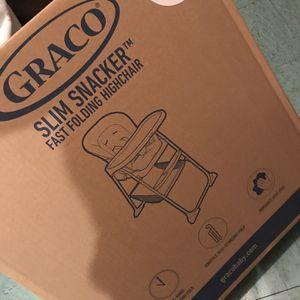 Graco Slim Snacker Fast Folding High Chair READ DESCRIPTIONS silla para comer LEER DESCRIPCION for Sale in Los Angeles, CA
