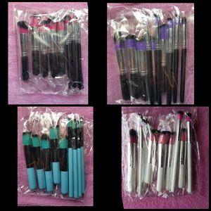 10 piece makeup brush set for Sale in Kansas City, KS