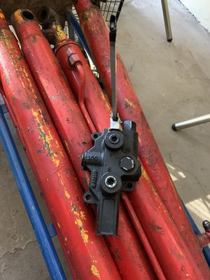Hydraulic cylinders - all 4 for one money for Sale in Maidsville, WV