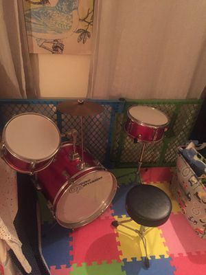Drum set red for kids and stool and sticks for Sale in Brooklyn, NY