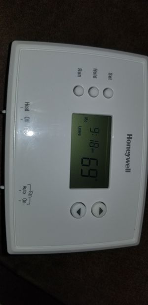 Honeywell Programable Thermostat for Sale in Pittsburgh, PA