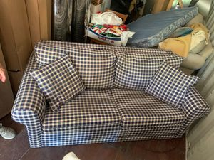Couch/hideaway bed 6ft for Sale in Leavenworth, WA