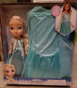 BRAND NEW Frozen Doll & Dress Up Set for Sale in Hutto, TX