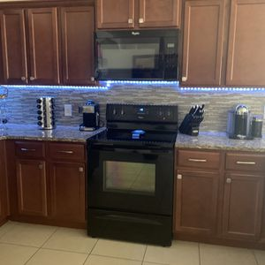 Kitchen And Microwave for Sale in Lakeland, FL